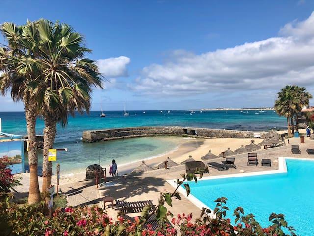 Cond PortoAntigo III com Praia e Piscina exclusiva