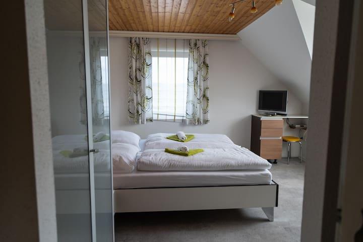 Gästehaus Lebensfreude-Komfortzimmer  Modern