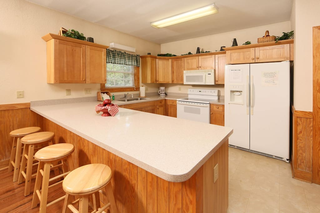 Poplar Point Condo Unit 12E-Kitchen