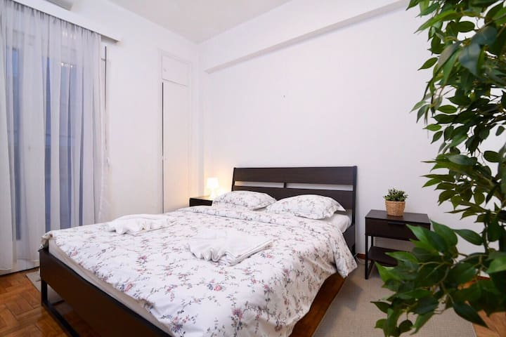 1 Bedroom Apartment in Athens