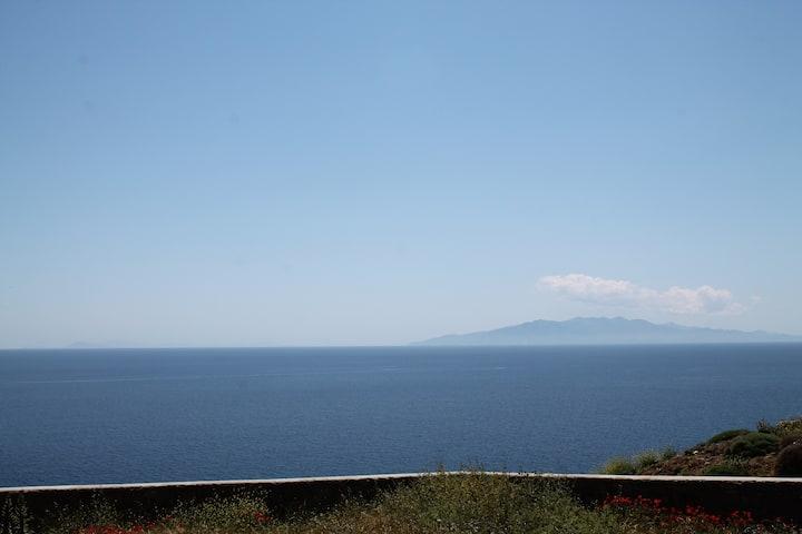 Private Villa with Sea View Near Kalo Livadi Beach