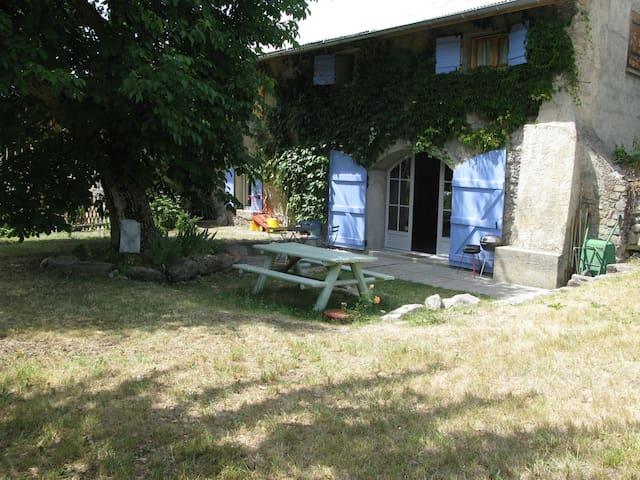 Ancienne bergerie de Haute Provence - Jausiers - Hus