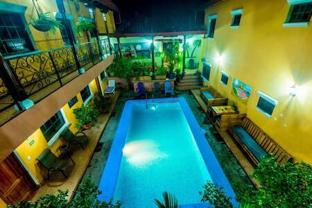 Fullmoon appartement - Granada