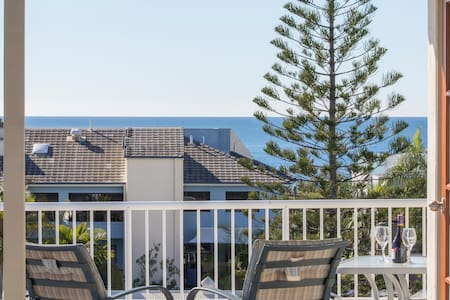 Fabulous double room with ensuite & roof terrace - Maroochydore