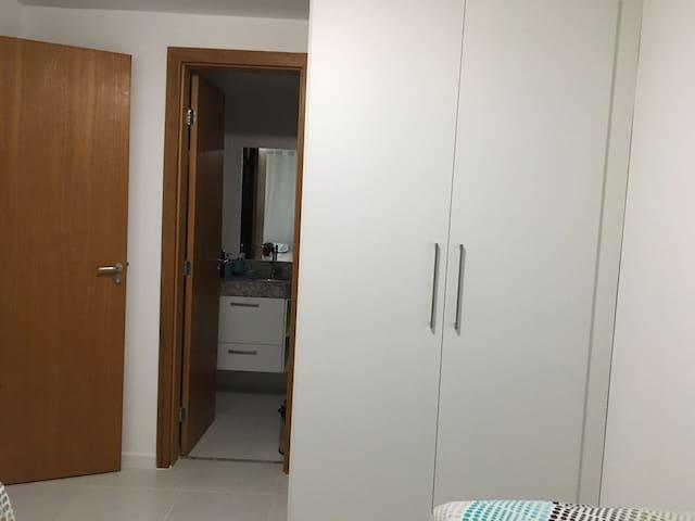 APT de Alto Padrão em Guarajuba - Camaçari - Obsługiwany apartament