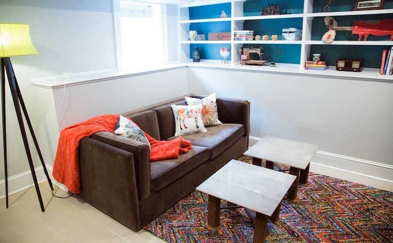 Relax, after a day in the city in the comfy living room. Sleeper sofa for additional guests.
