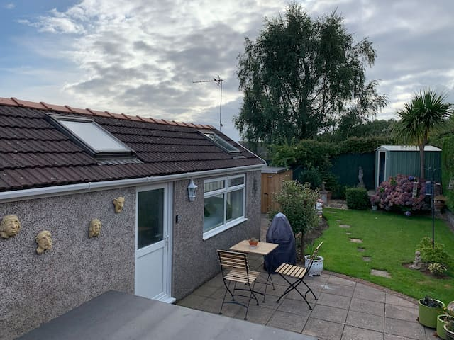 Garden studio, Cardiff-Town Centre, 10 min by car