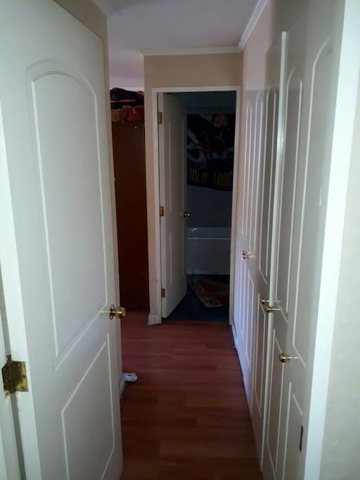 Pasillo al Dormitorio en Suite