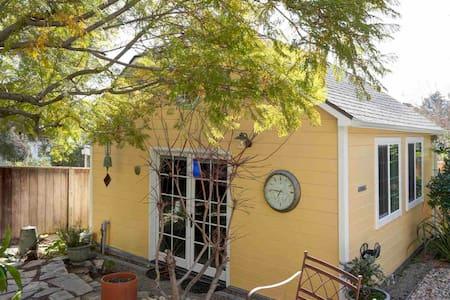 Studio Garden Cottage