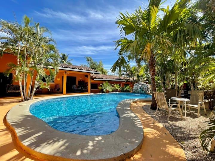 A 3 km de Tamarindo: Apartamento #4 en Girasol