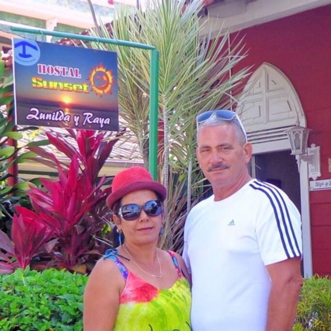 HOSTS Zunilda & Raya