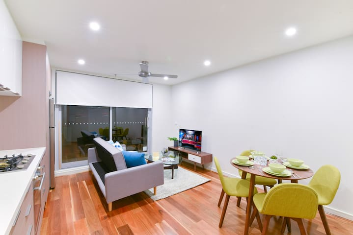 ❤Perfect Balance Living Burwood One Bedroom Apt❤