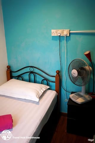 Travel Hub Guesthouse - Single Fan Room
