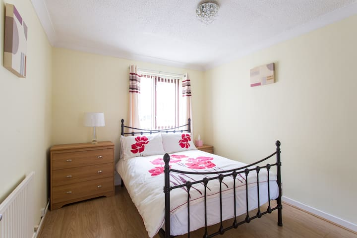 Swansea Marina Apartments 3   Swansea   Apartment. Top 20 Swansea  United Kingdom Vacation Rentals  Vacation Homes