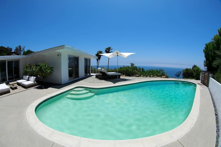 Modern Mid Century w Panoramic Ocean View and Pool