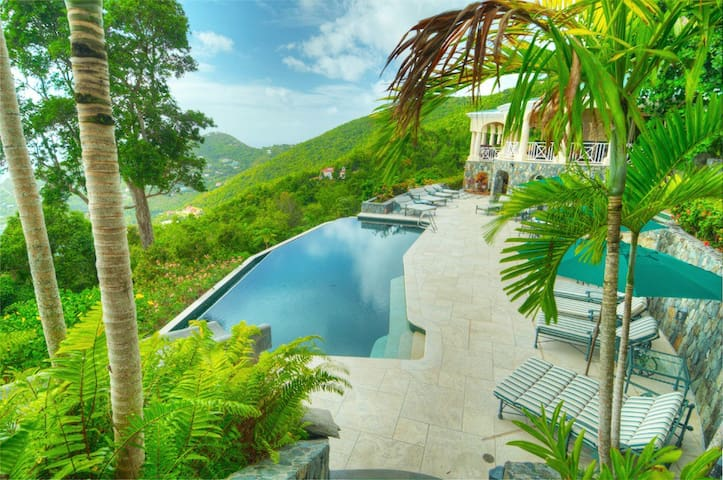 Amazing Views! Pool, Spa, Gym, GuestHouse & Suite