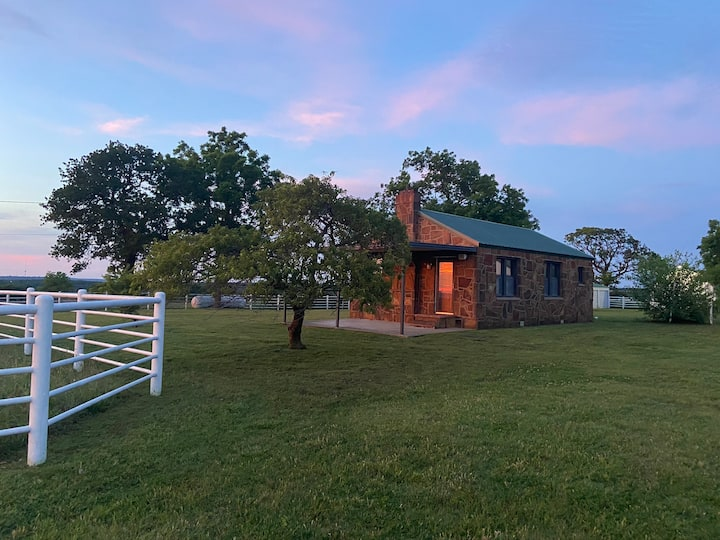 Ranch cabin with a 360  view of the Osage horizon
