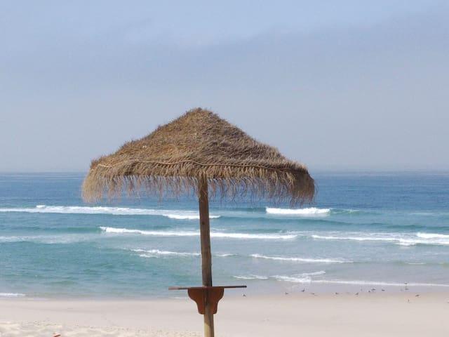 Espaço acolhedor com linda vista para o Mar.