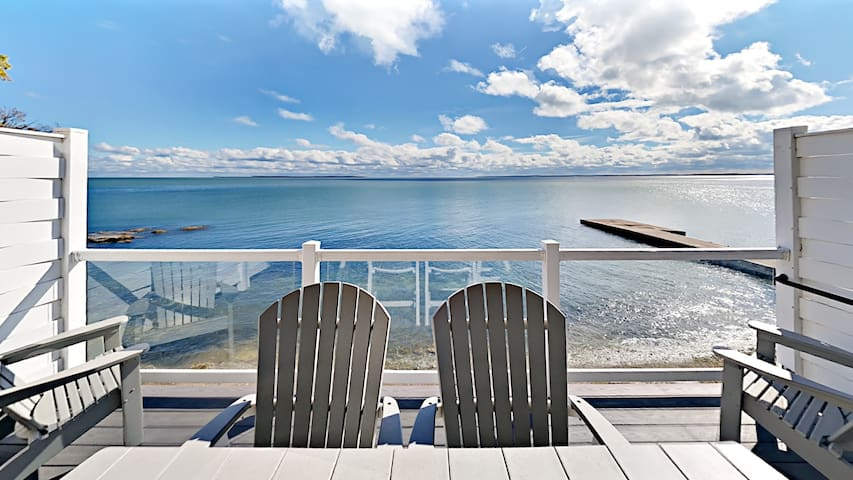 New 4 Bedroom 3 Bath Condo right next to the water - Sleeps up to 12 max C108 - Put-In-Bay Waterfront Condo #108