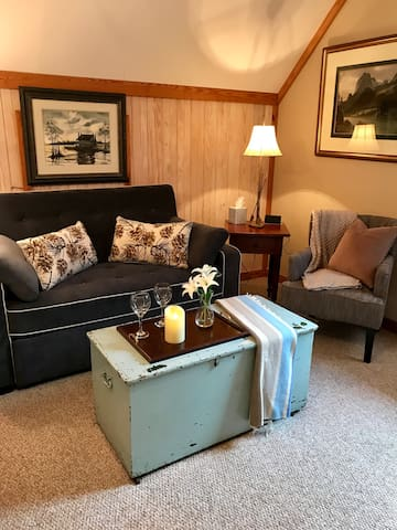 """HomePlace"" Studio is PERFECT for EXTENDED STAYS!"
