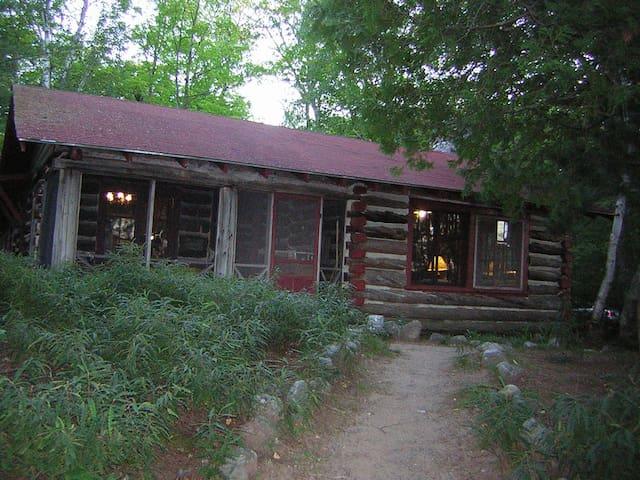Rest Lake Log Cabin