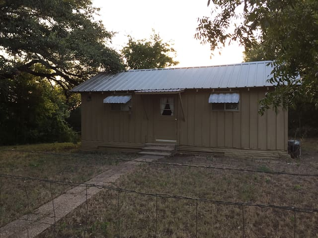 Young Ranch Country Cottage - Meridian - Byt