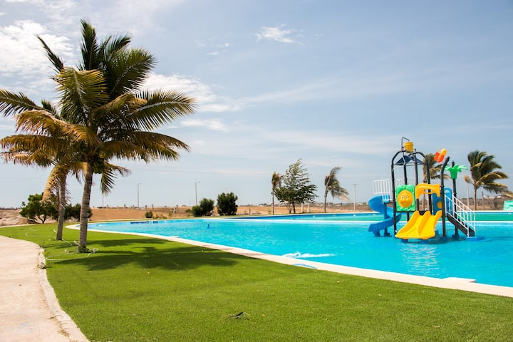 Hermosa Villa Adosada en Urb. Privada Cerca al Mar
