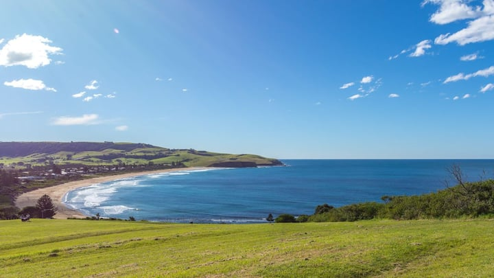 COASTLINE, Boat Harbour, Gerringong - 4pm check out Sundays!
