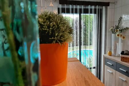 Grüne Oase, Pool/Garten, 1-2 P. (Raum Ayla) Oyten