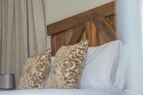 The Farmhouse Bed & Breakfast