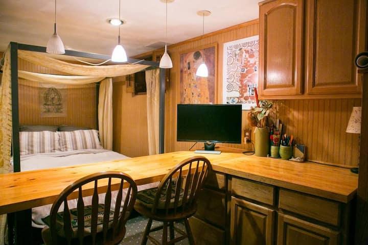 Cozy, Spacious Guest Suite in Sound Beach