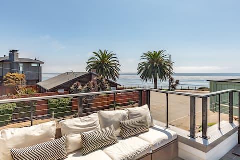 Endless Summer: Ocean-View Oasis - Walk to Beach!