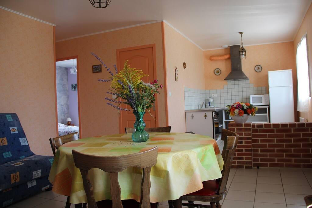 DORIS 2 : vue d'ensemble( cuisine ouverte sur sejour ...)