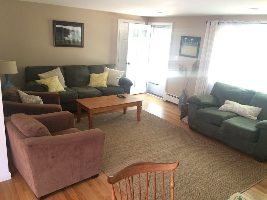 Living room with plenty of space for the whole family!