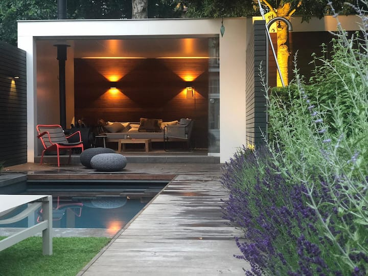 City villa with private pool in Haarlem center
