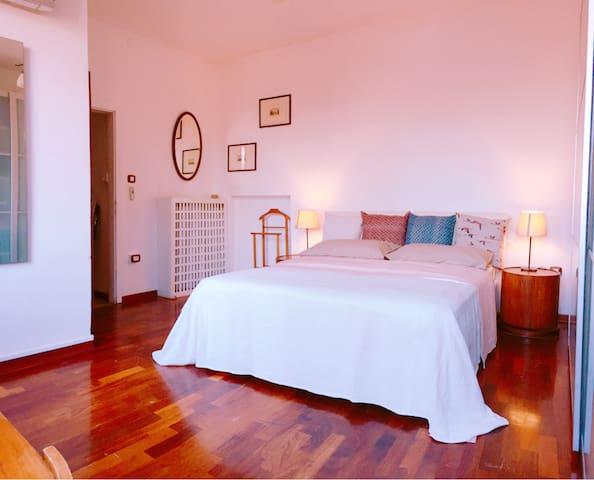 Sunny house III room