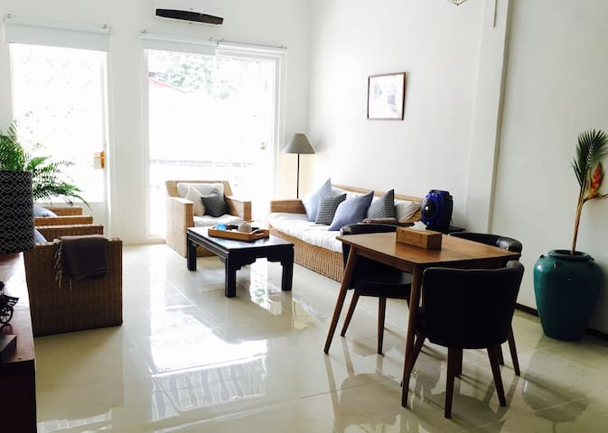 Luminous Duplex Flat National Museum/Royal Palace - Phnom Penh - Apartment