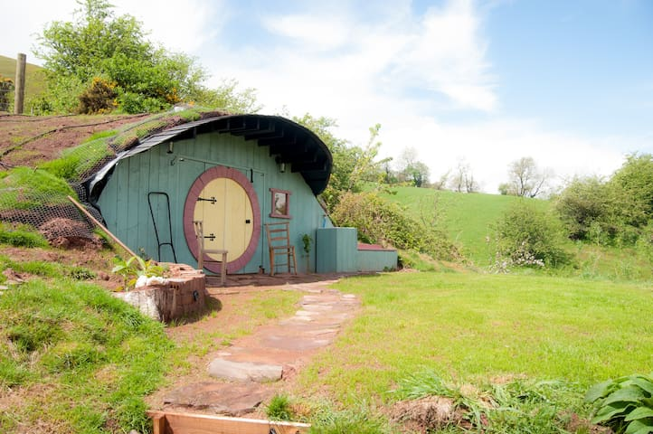 Hobbit House, Glamping underground! - Pengenffordd - Other