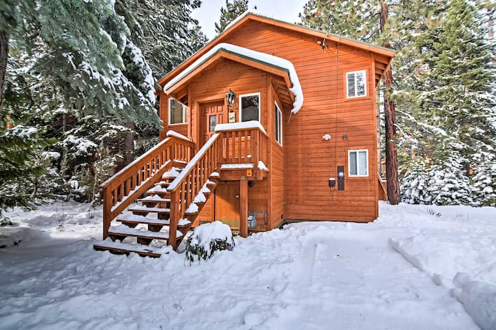 3BR Tahoma Cabin Minutes From The Slopes!