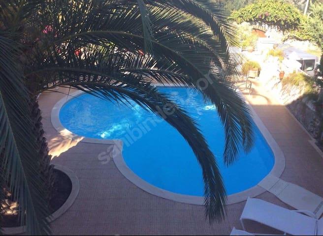 Torba'da denize çok yakın müstakil havuzlu villa