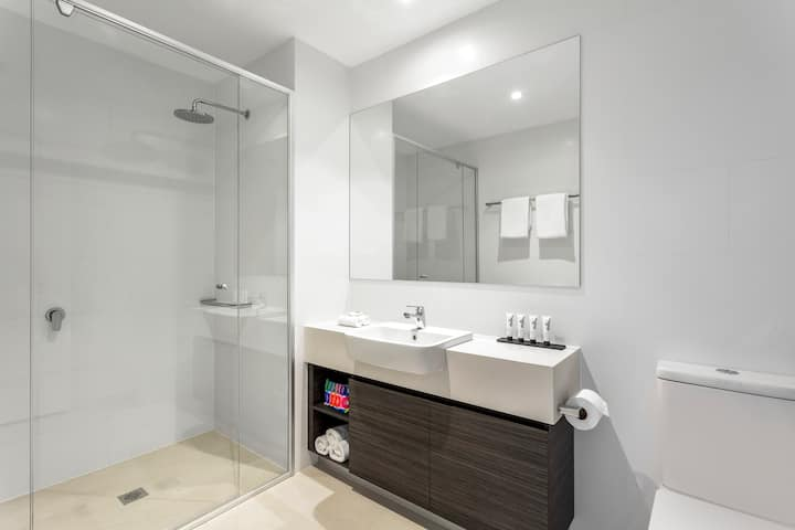 Central Joondalup Studio Apartment