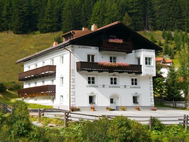 40 m² Ferienwohnung Fliana in Mathon