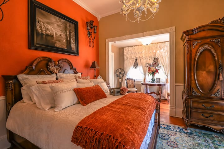 Sparkman House Luxury B&B - Davenport Room