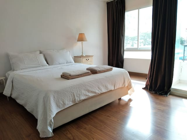 Smart 1Bed Apt. Near MRT and BTS