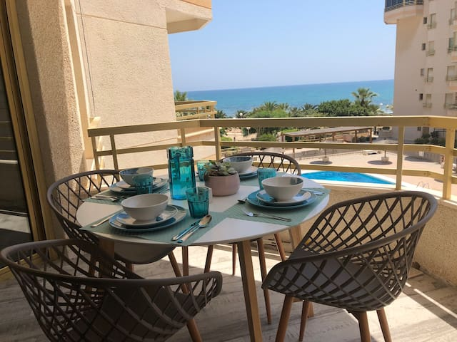 Beautiful flat with amazing sea front views. NEW