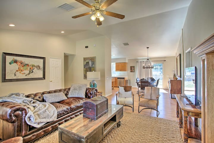 NEW! Updated Family Home: 30 Min to Joshua Tree NP
