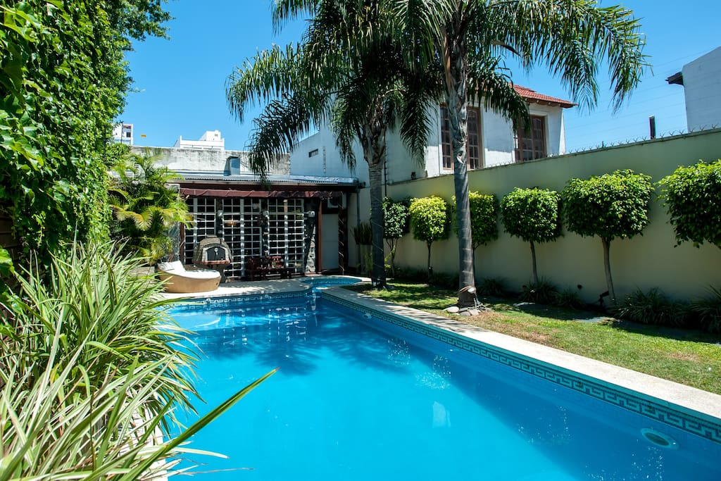 Amazing house with swimming pool houses for rent in buenos aires argentina for Houses to rent with swimming pool uk
