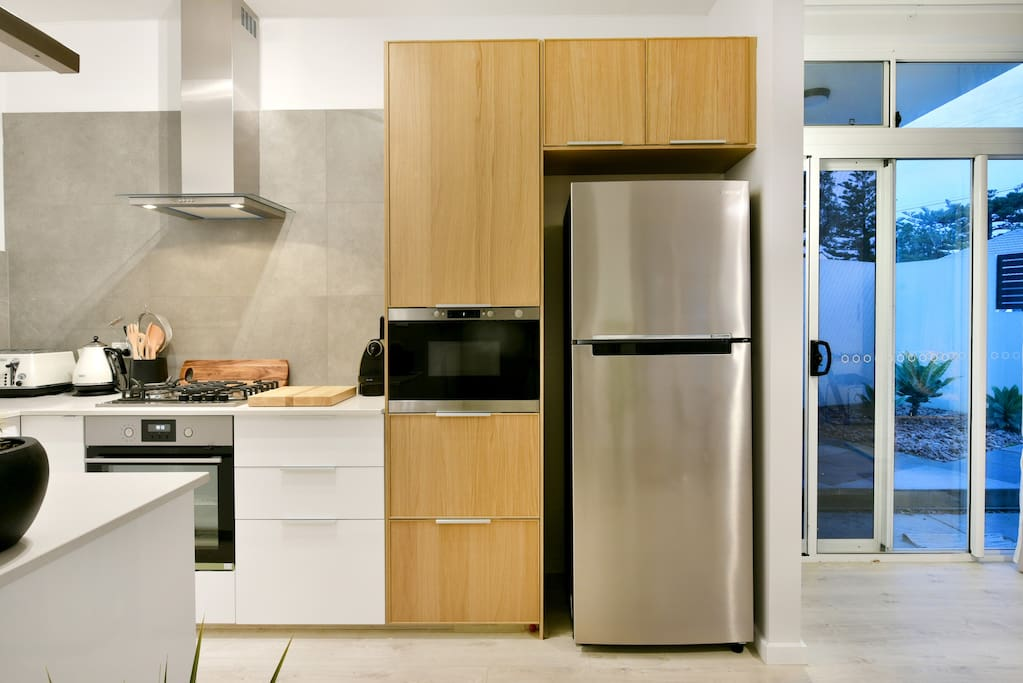 Adelaide beachside flat with fully equipped kitchen... . . Adelaide beach