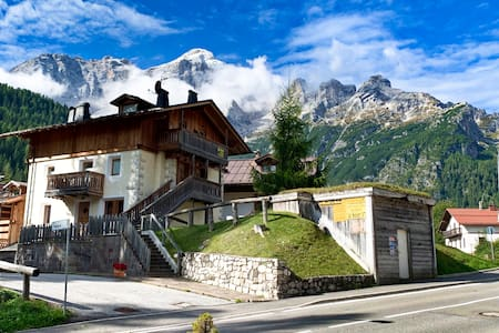 Casa Civetta, Prestige Cottage, stunning view!
