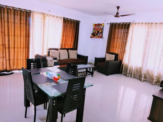 Standard Room with Balcony & Shared washroom